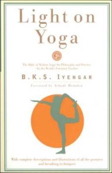 Light_On_Yoga_BKS_Iyengar